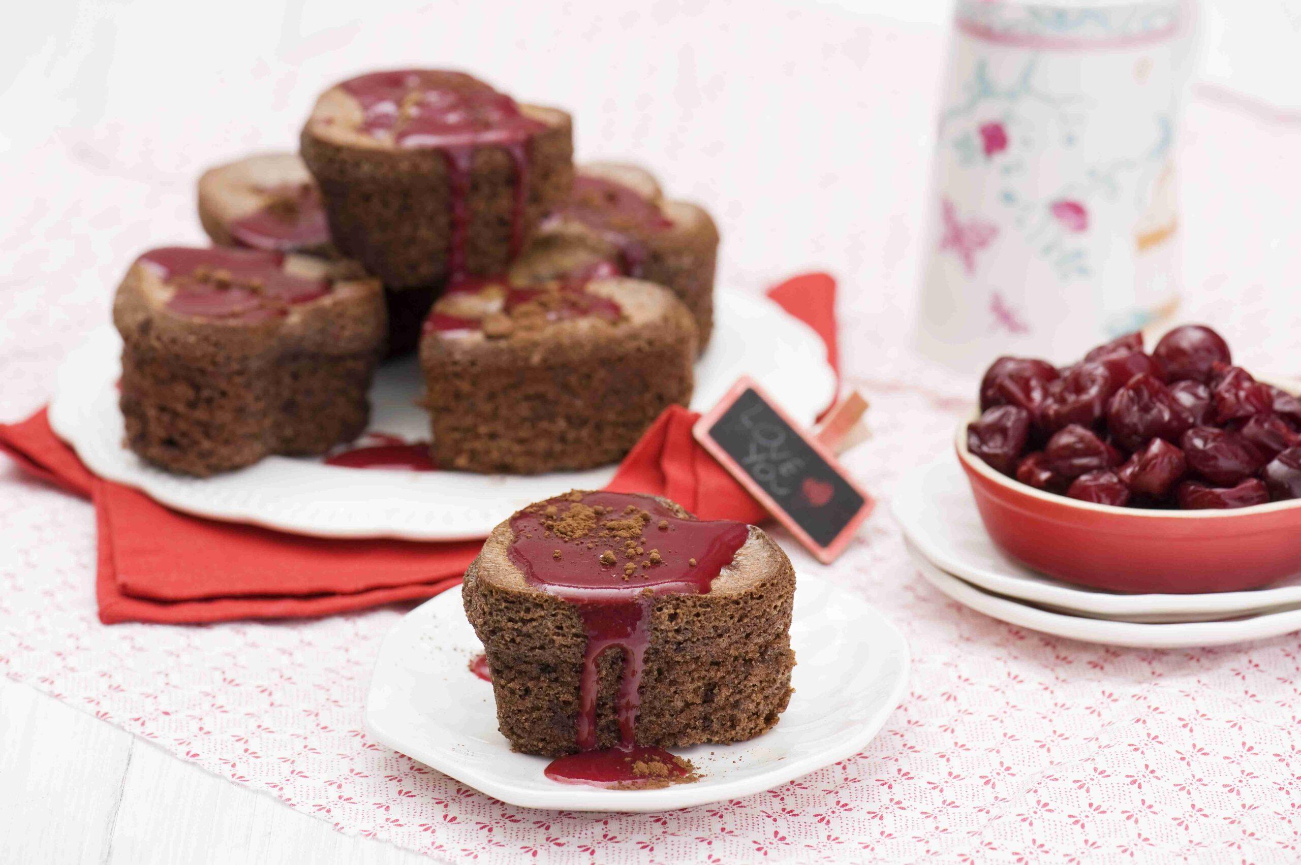 Babeczki mocno czekoladowe z wiśniami