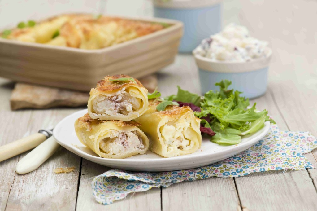 Cannelloni with ricotta cheese, cauliflower and radicchio lettuce