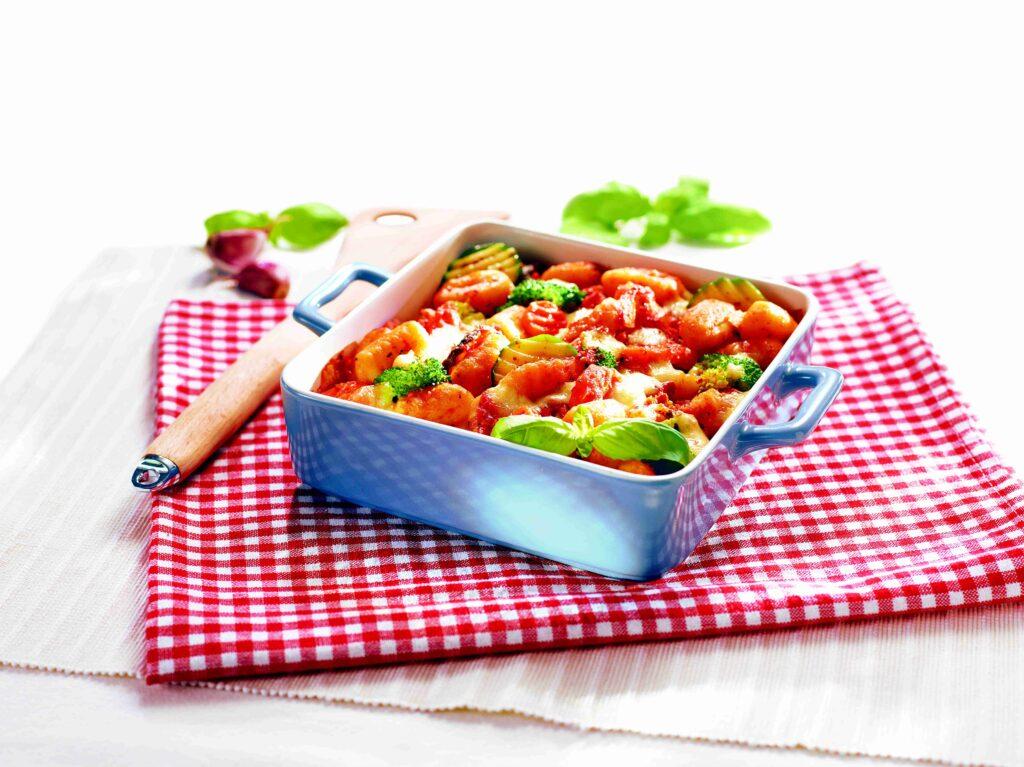 Gnocchi zapiekane z warzywami i mozzarellą