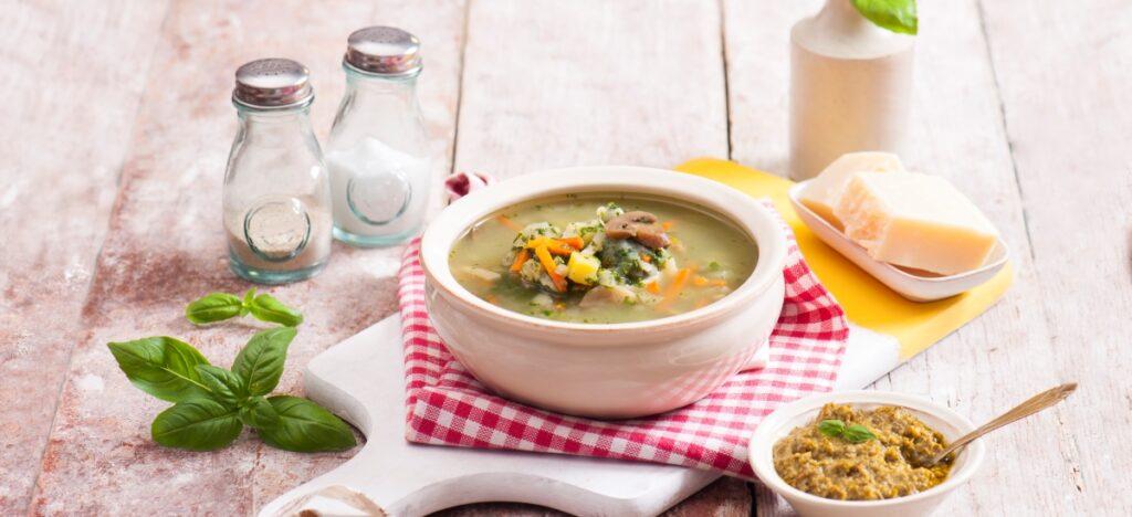 Włoska zupa z pesto