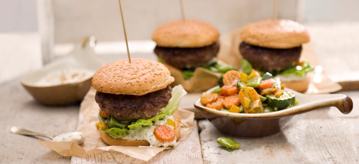 Hamburgery zwarzywami iwołowiną