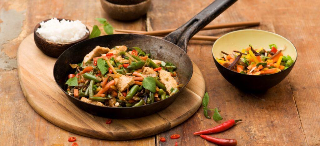 Wołowina z warzywami i tajską bazylią
