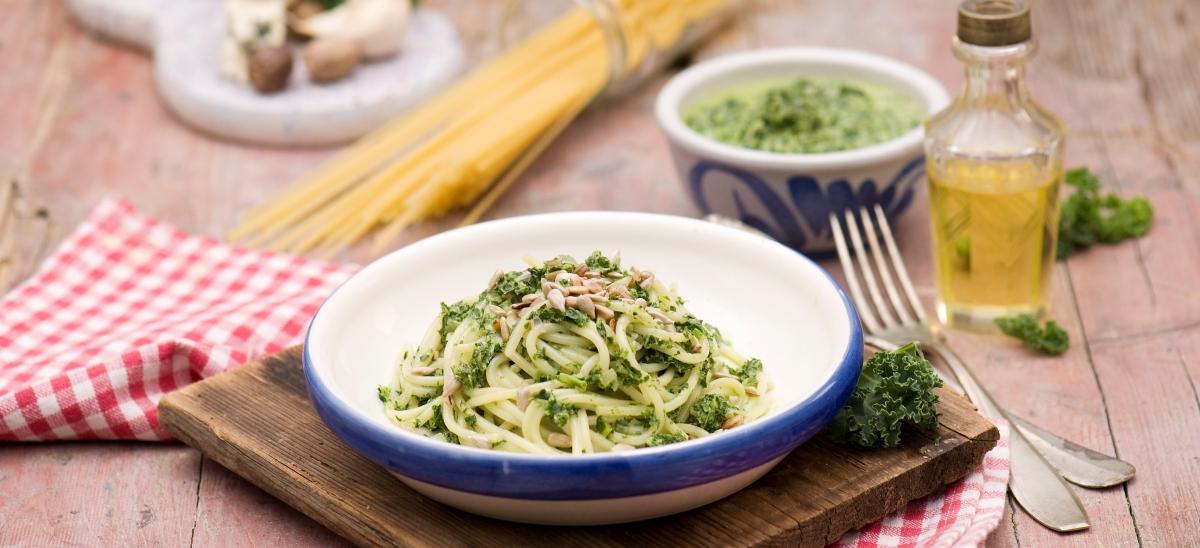 Spaghetti ze szpinakiem wsosie śmietanowo-serowym