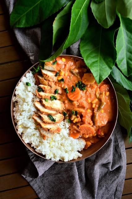 Curry warzywne zkurczakiem na parze icytrynowym ryżem