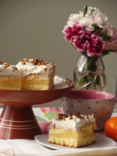 Ciasto z jabłkami i krokantem orzechowym