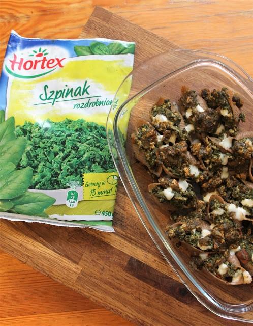 Muszelki nadziewane mięsem drobiowym iszpinakiem