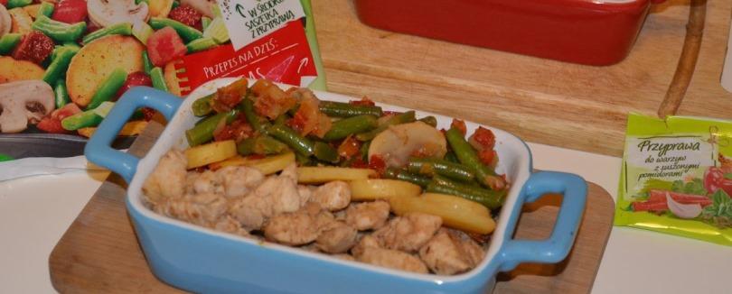 Warzywa na patelnię Hortex w towarzystwie piersi z kurczaka