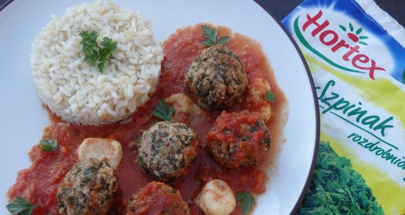 Pulpety zapiekane wsosie pomidorowym imozzarellą