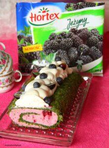 Rolada szpinakowa z czekoladowym kremem i jeżynami image1 1