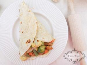 Tortilla z warzywami i kurczakiem image3 3