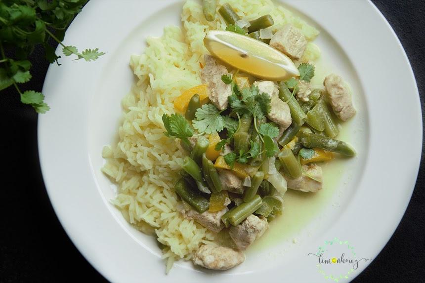 Zielono-żółte curry z ryżem szafranowym