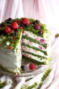 Zielony tort z owocami lata image5 5