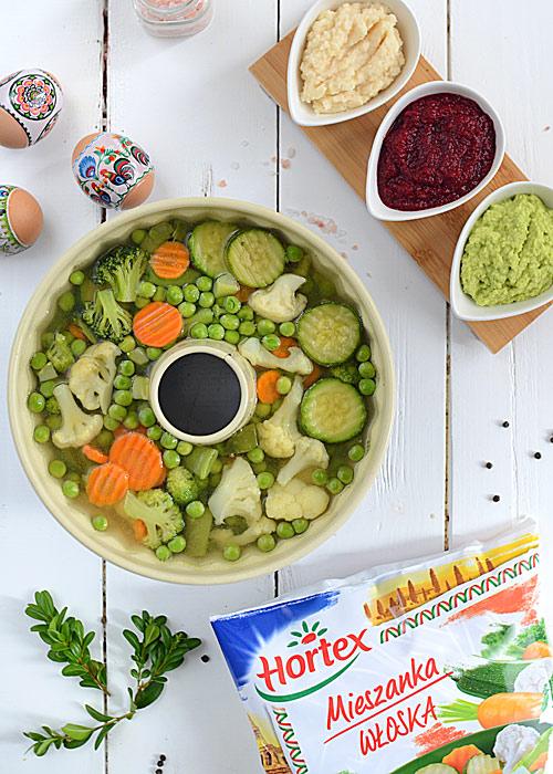 Galaretka warzywna z szynką i jajkami przepiórczymi