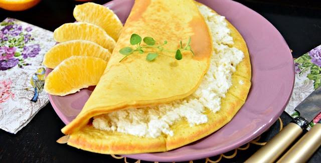 Omlet pomarańczowy zpomarańczowym serkiem