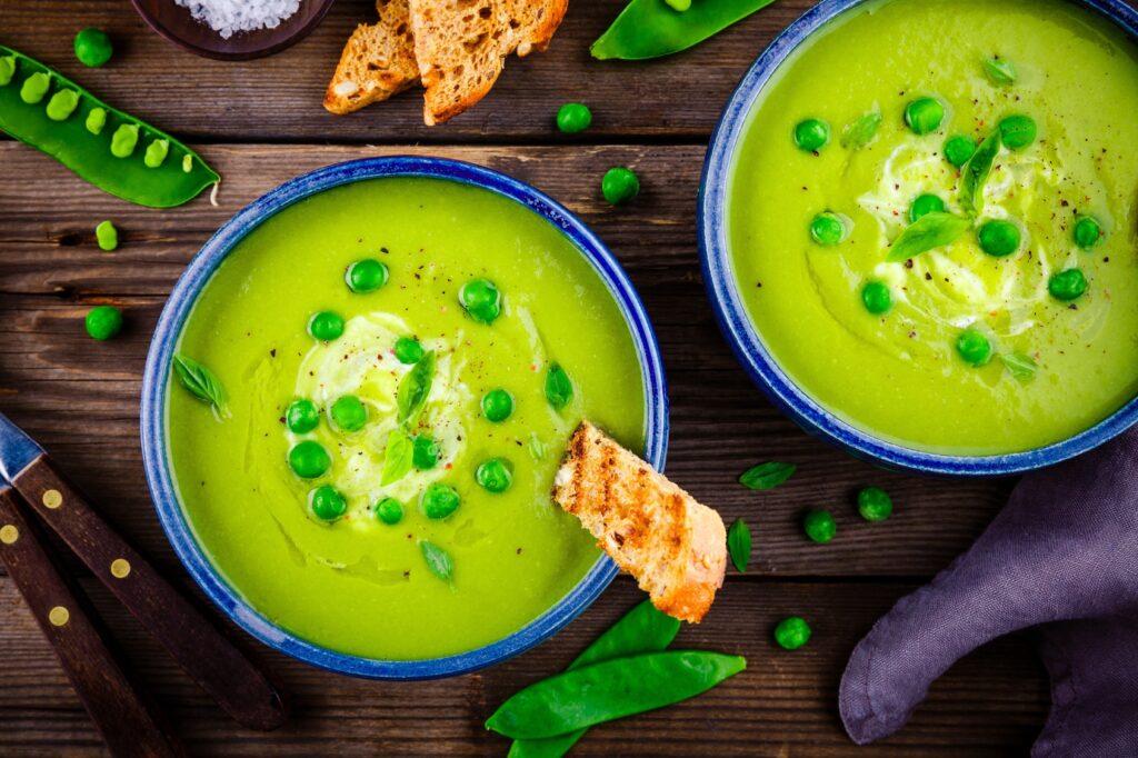 Jak zrobić zupę krem z zielonego groszku?