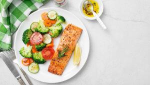Szybki obiad złososiem iwarzywami