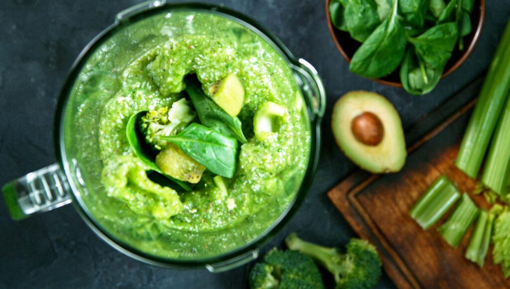 jak zagęścić sos - miksowanie warzyw