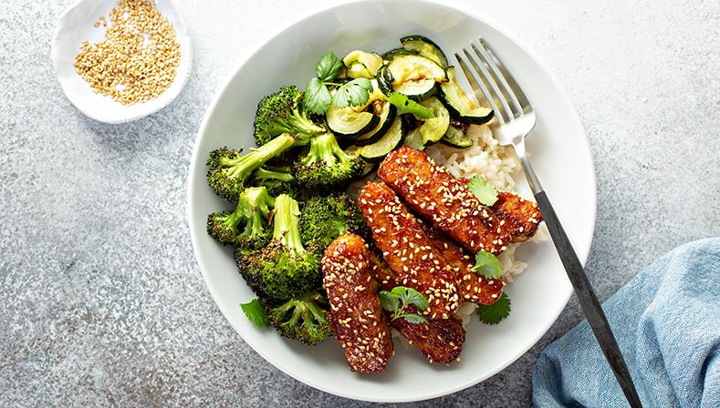 Seitan, tempeh ikotlety warzywne – przepisy na roślinne zamienniki mięsa